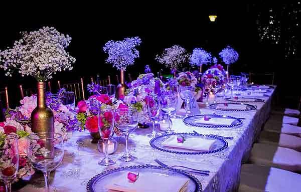 decoracion y mesa de dulces con tematica de la realeza para xv años