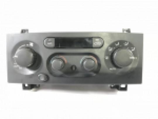 Jeep Grand Cherokee Heater A/C Climate Auto Temp Control 55116885AB 1999-2004