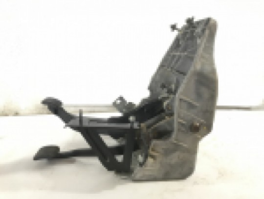 Dodge Ram Clutch And Brake Pedal Assembly Housing Manual Transmission 2003-2008