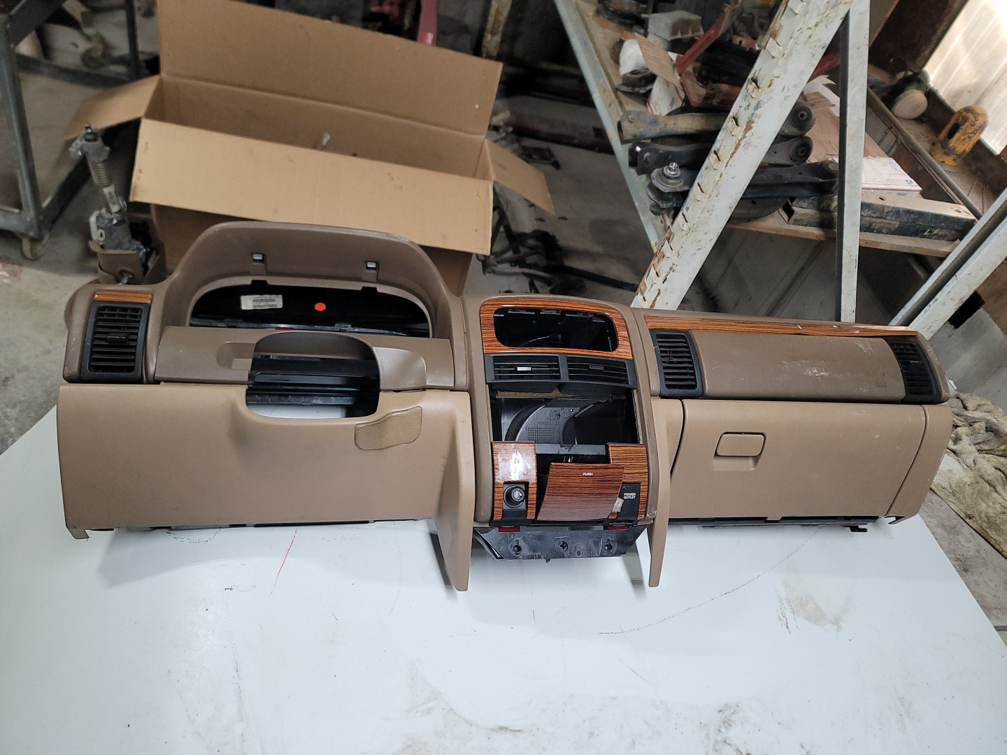 Complete Dash and Air Distribution Box Tan Color Limited with Air Bag 99-04 WJ