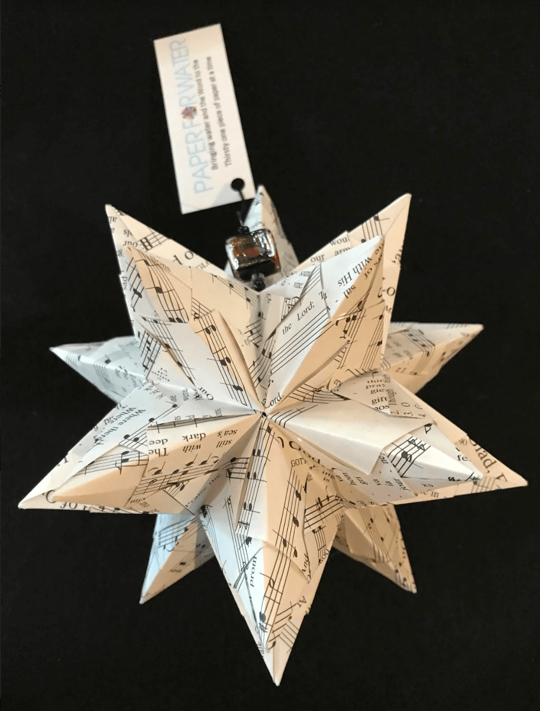 Hymn and carols bascetta star