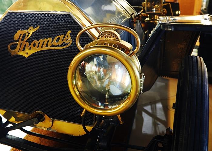 02 Thomas Flyer