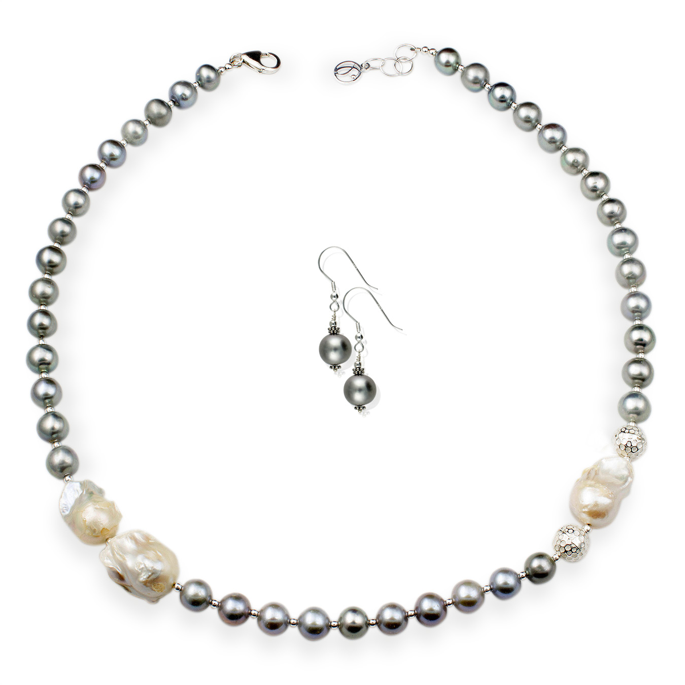 Customized necklace with choice of cultured round and nucleated pearl
