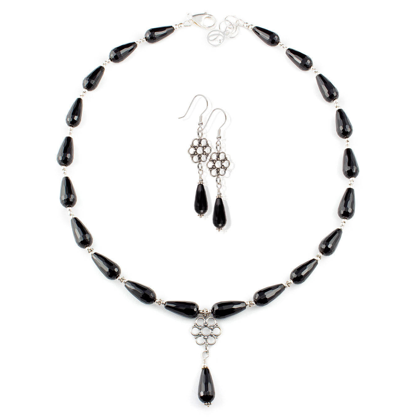 Pendant necklace set made of teardrop black agate and bali silver