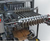 Standard-Knapp: Case packer module handles flasks