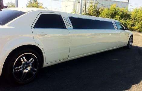 limousine Rental Service Round Mountain California