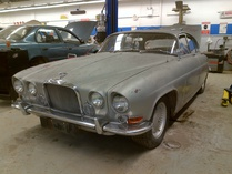 datsun_nut-Jaguar Mark 10 Automatic