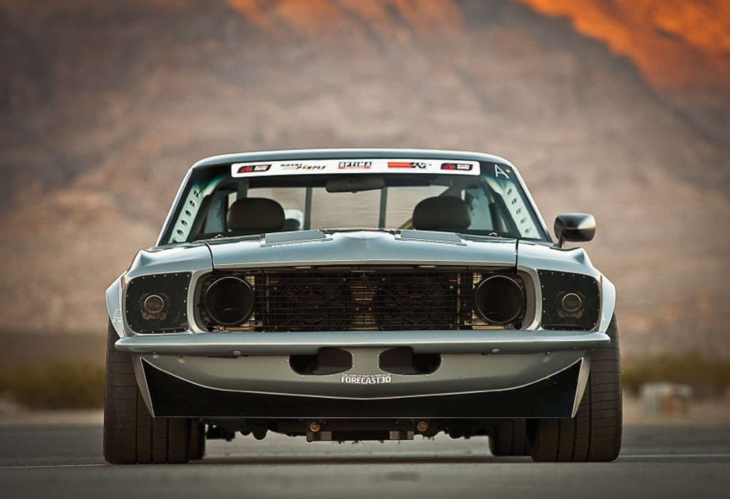 Track day transformer: From street rod to American Iron racer in 1 hour.