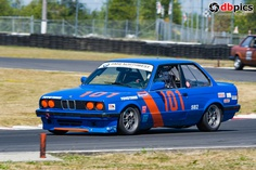Jcamper-BMW 325i