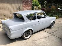 105egary-Ford Anglia