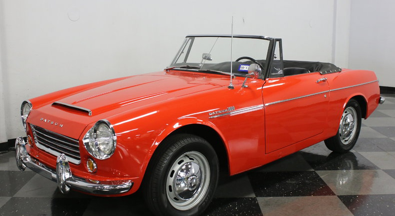 Classic Motorsports Car Catcher: Vintage Roadster Alternative ...