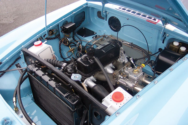 British Motor Corporation provided four Special Tuning engines to Qvale for the project.