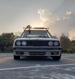 Hoondavan-BMW 318i (E30)