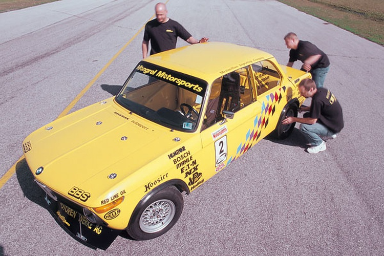 Mongrel Motorsports: 1976 BMW 2002