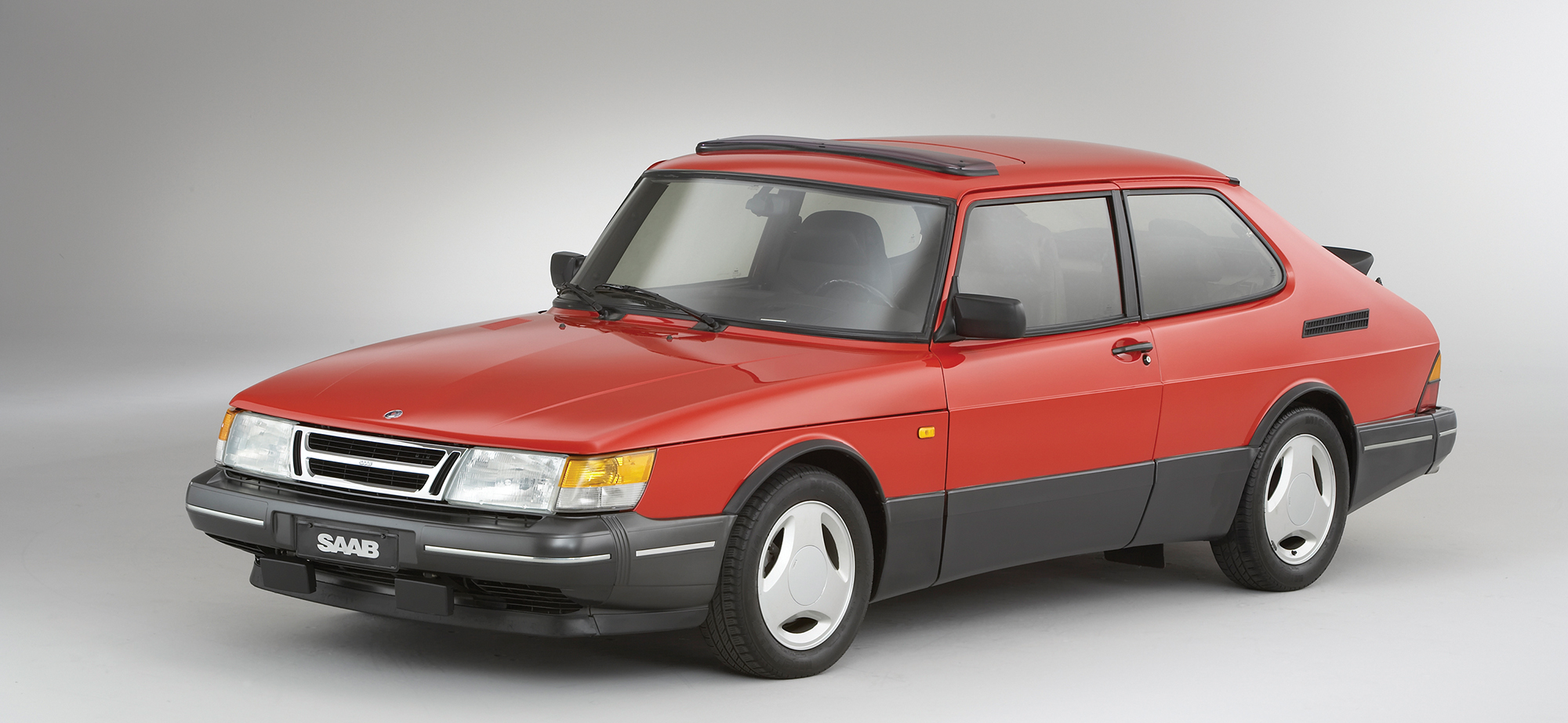 Vintage Views: Saab 900 SPG