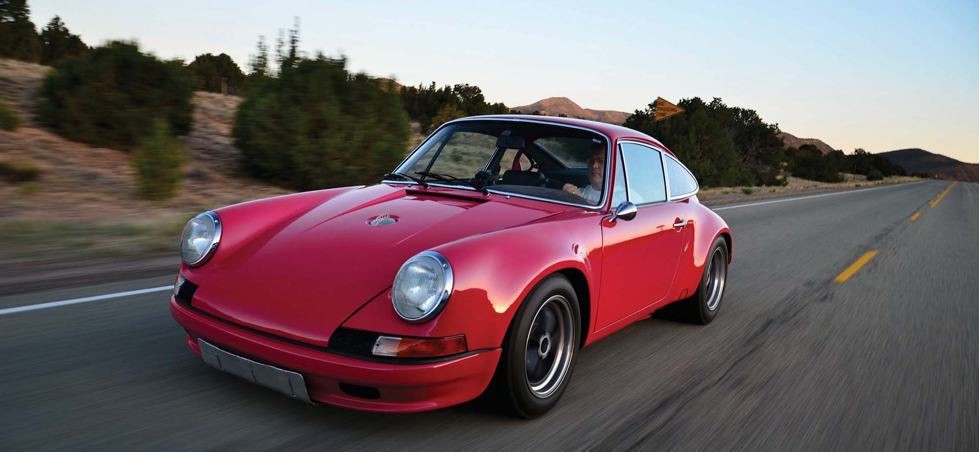 Tasty Fraise An Old,School Porsche 911 In Pink