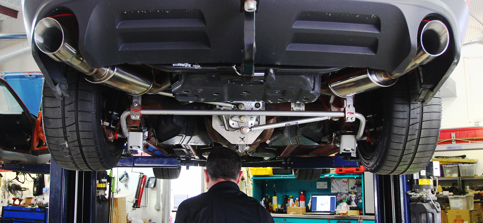 Suspension Mythbusting: Solid Axle vs  IRS | Articles