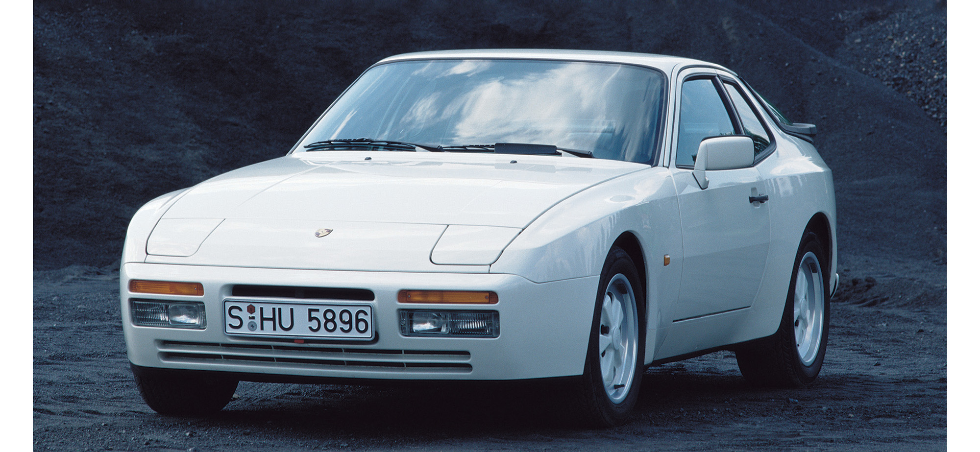 Vintage Views: Porsche 944 Turbo