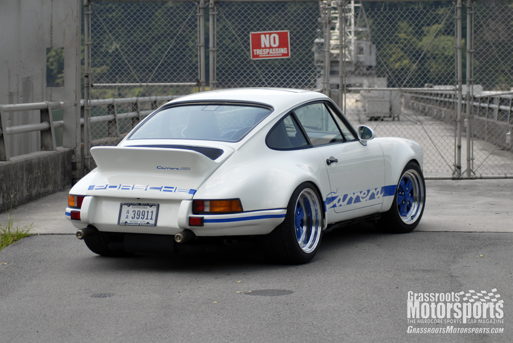 Old looks for later Porsches