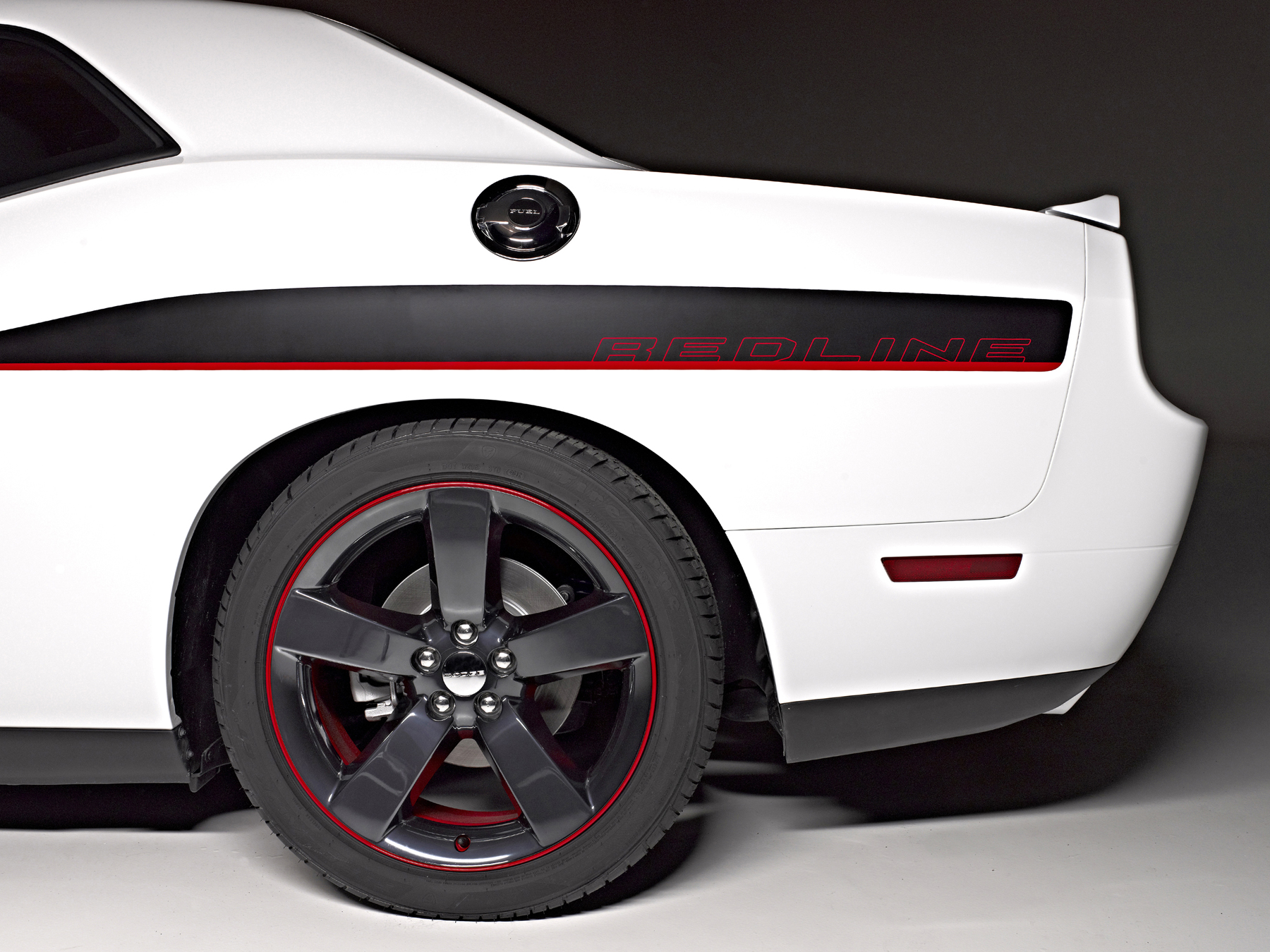 2014 dodge challenger r t redline new car reviews grassroots motorsports. Black Bedroom Furniture Sets. Home Design Ideas