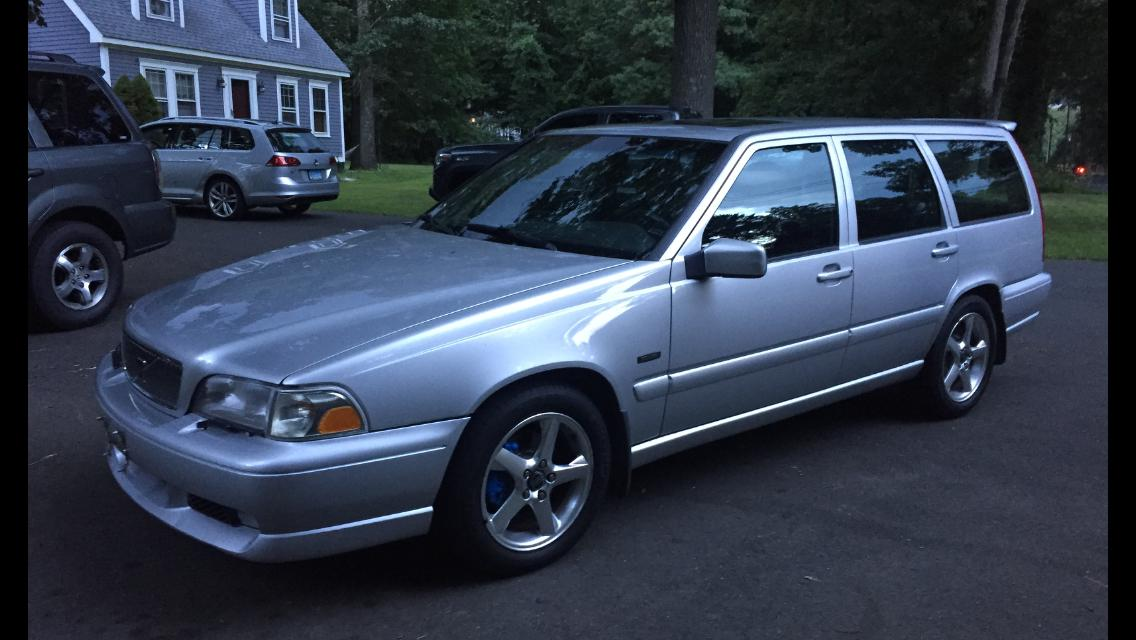 My dog is the proud new owner of a Volvo V70R| Grassroots