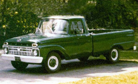Green pickup truck used in TWO MEN AND A TRUCK's first move