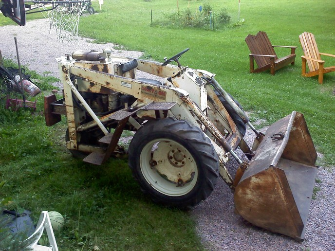 Cole Mx Planter Watermelon Seed Plate Grande besides Cb B E C B Ce Grande furthermore F A E Bb Aa A A A B A Cb Grande together with A as well Post. on 3 point tractor farmall c