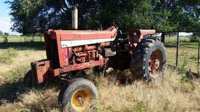 Farmall 856 Custom factory T/A delete - General IH - Red ... on