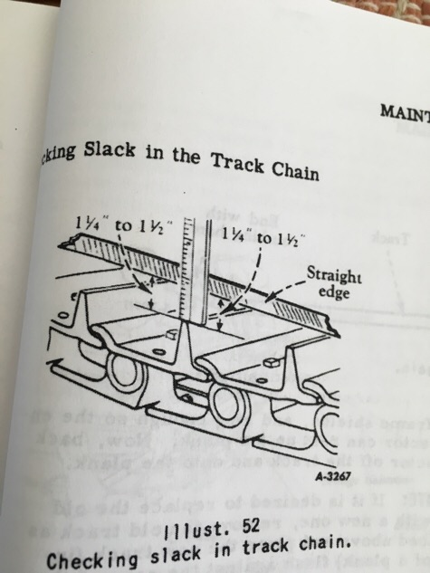 Slack in the track TD6 tutorial - IH Construction Equipment - Red