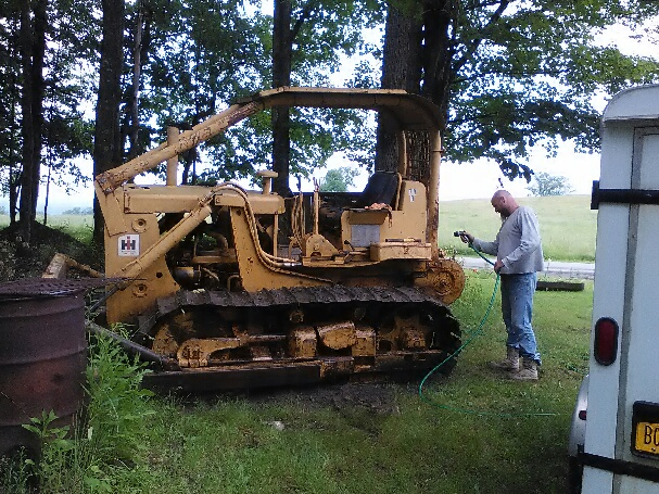 IH TD9 BG tractor crawler - General IH - Red Power Magazine