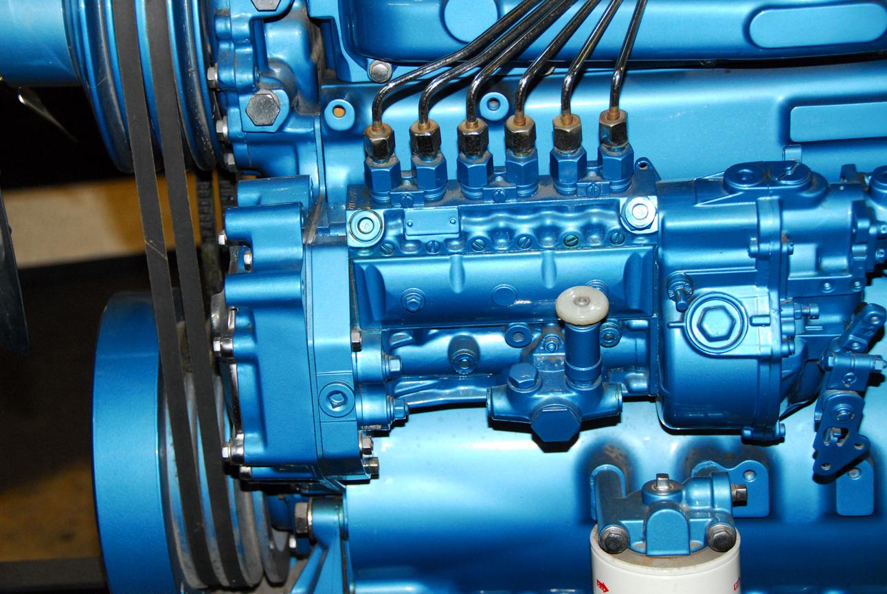 Bosch-A-3000-pump-on-DT466LR.jpg