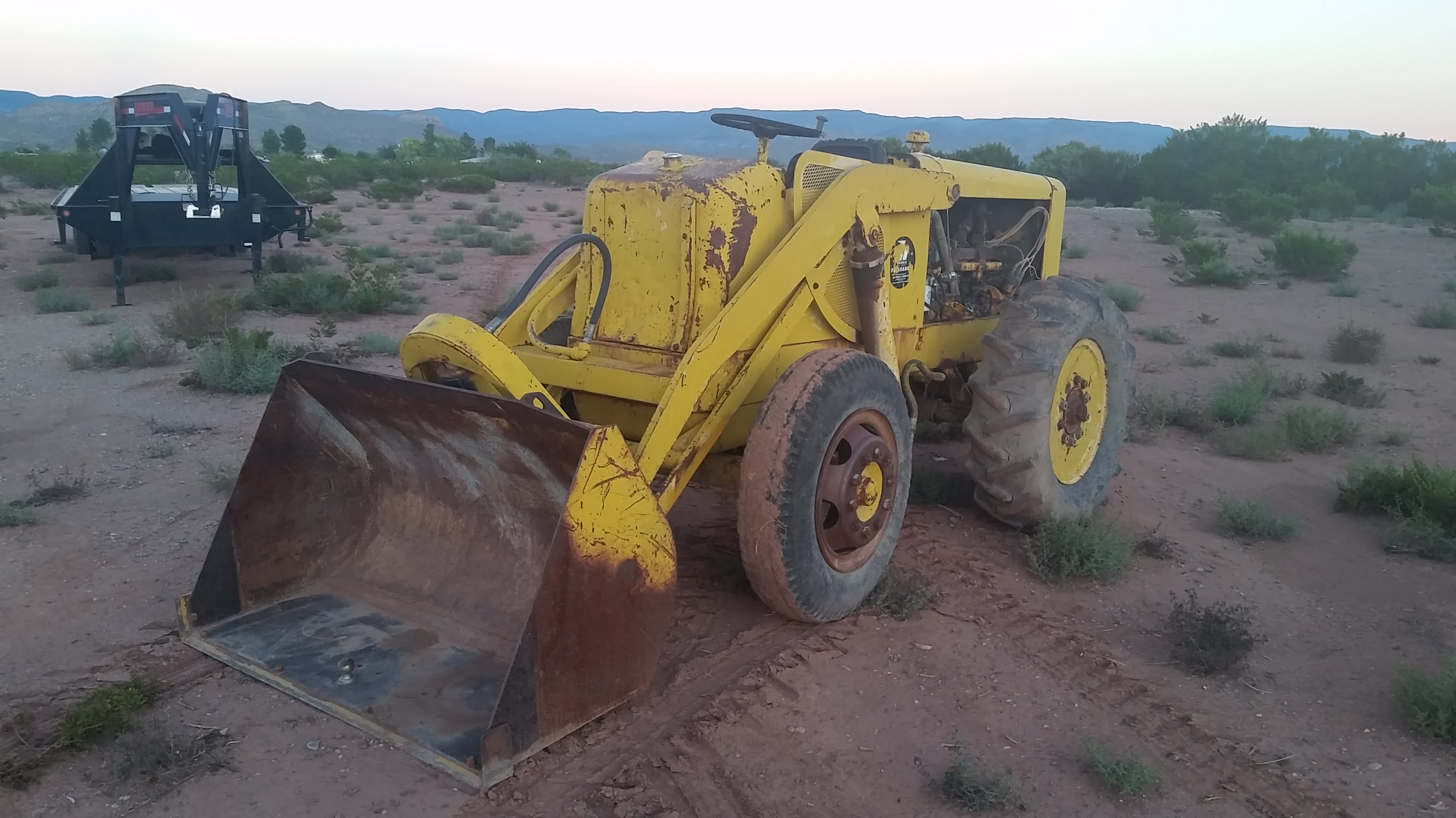 Hough HF Payloader - IH Construction Equipment - Red Power