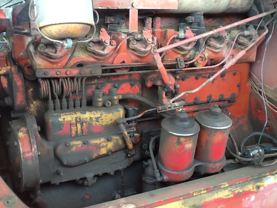 Diesel in oil - TD15 151 - IH Construction Equipment - Red