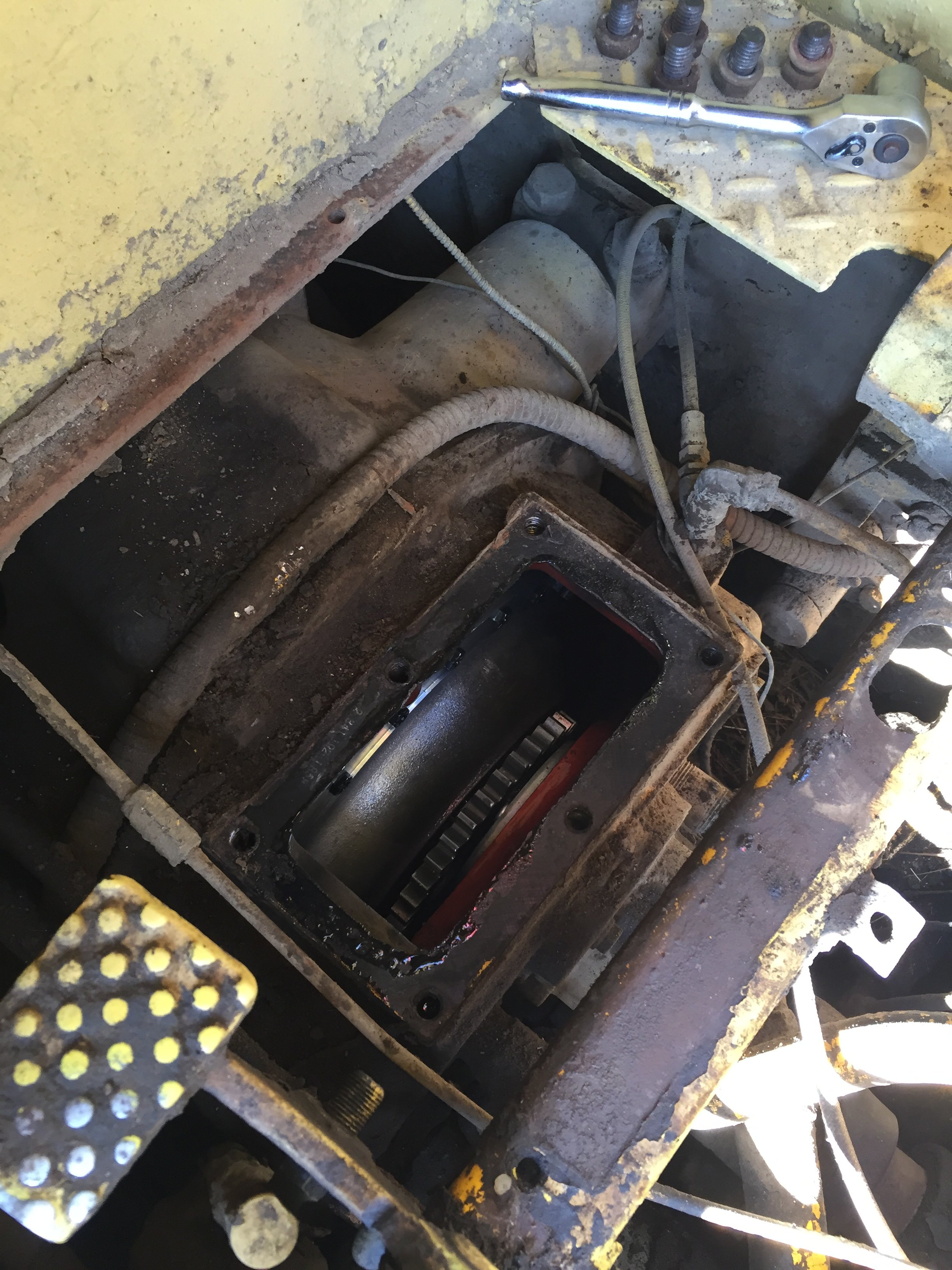 Dresser 175C transmission help please - Page 2 - IH