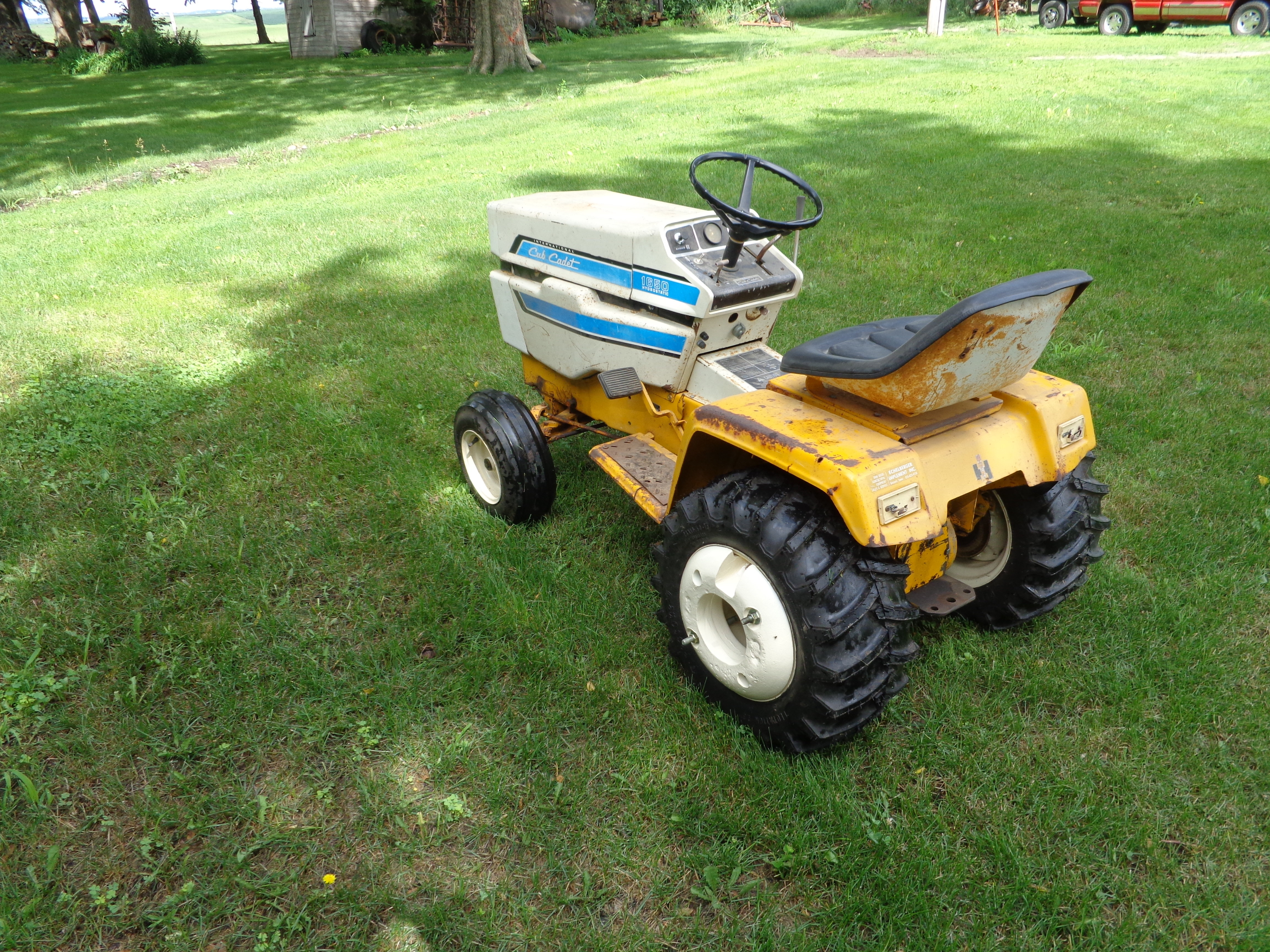 so now i need two good switches  it may help cut grass around here yet this  year, the 1450 is still in need of lots of love though i do have most of  the