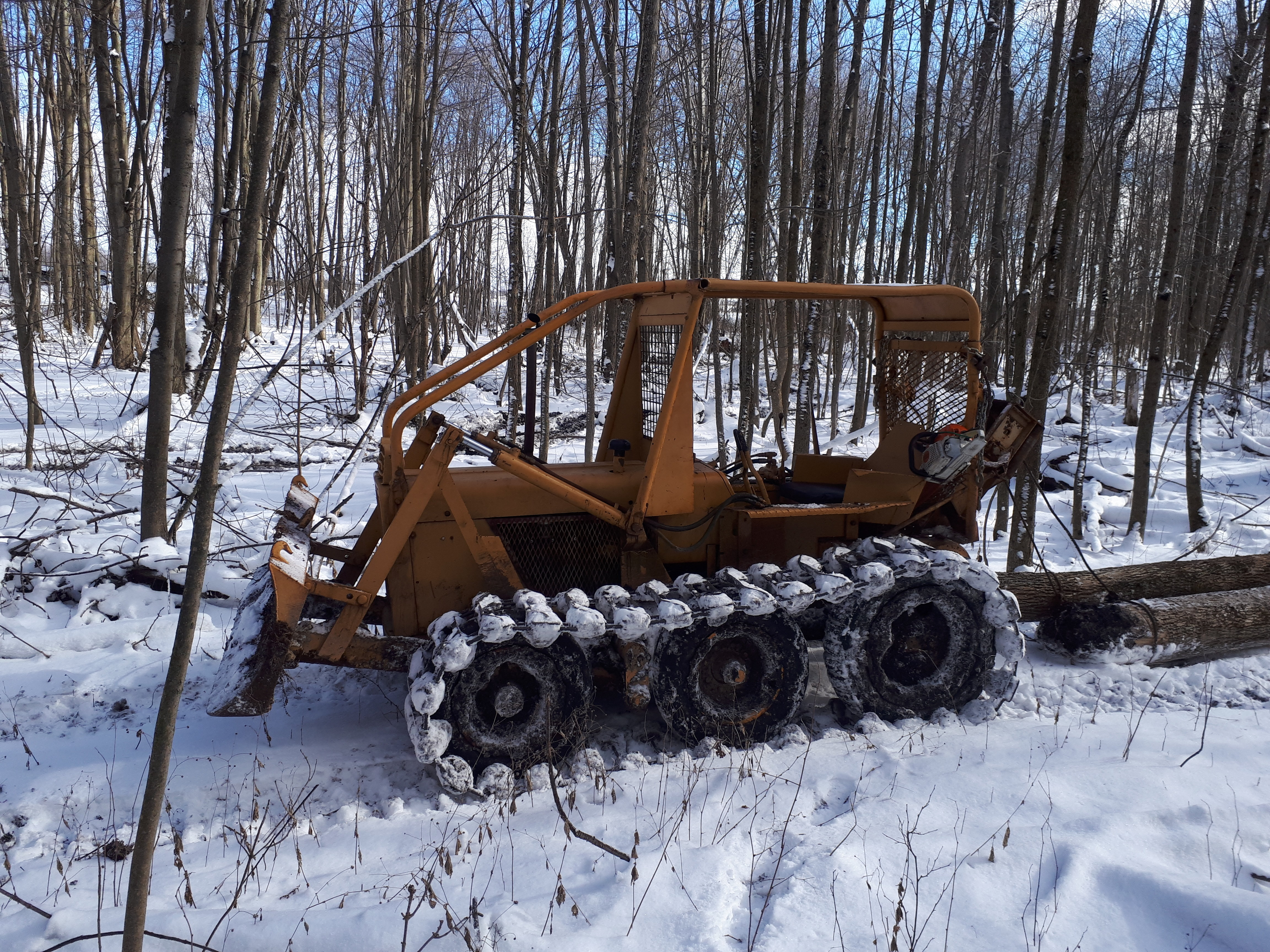 TDC5 skidder - IH Construction Equipment - Red Power