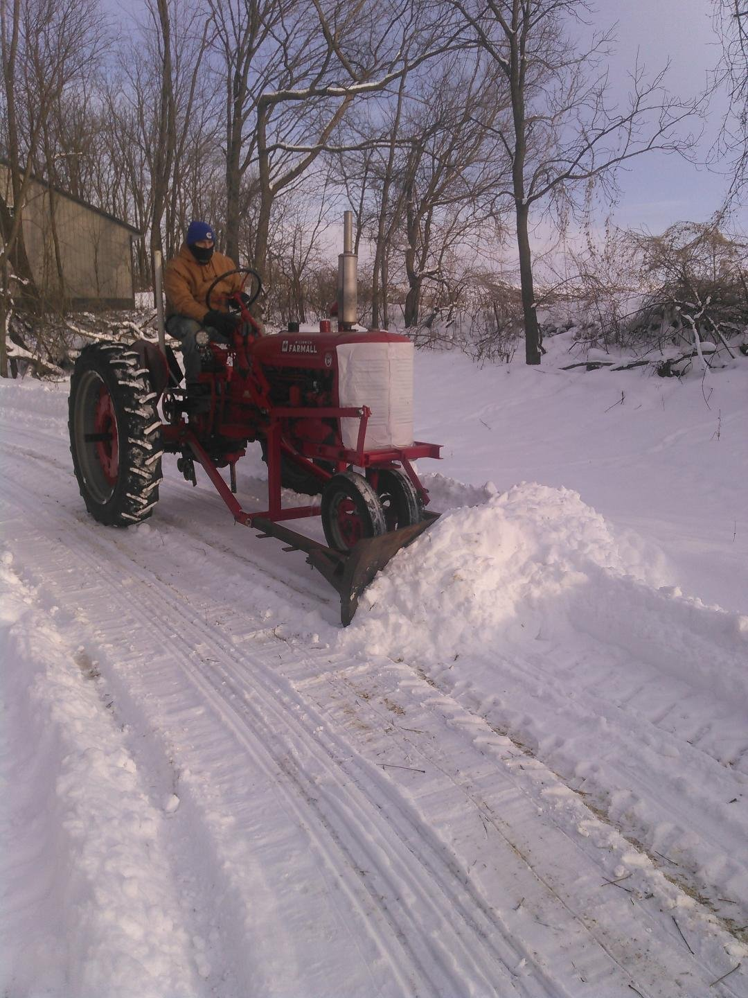 ... acquiring this homemade snowplow. I am pleased with the pushing power, could use a cab though. It was sitting just at 0 degrees and my toes went numb ...