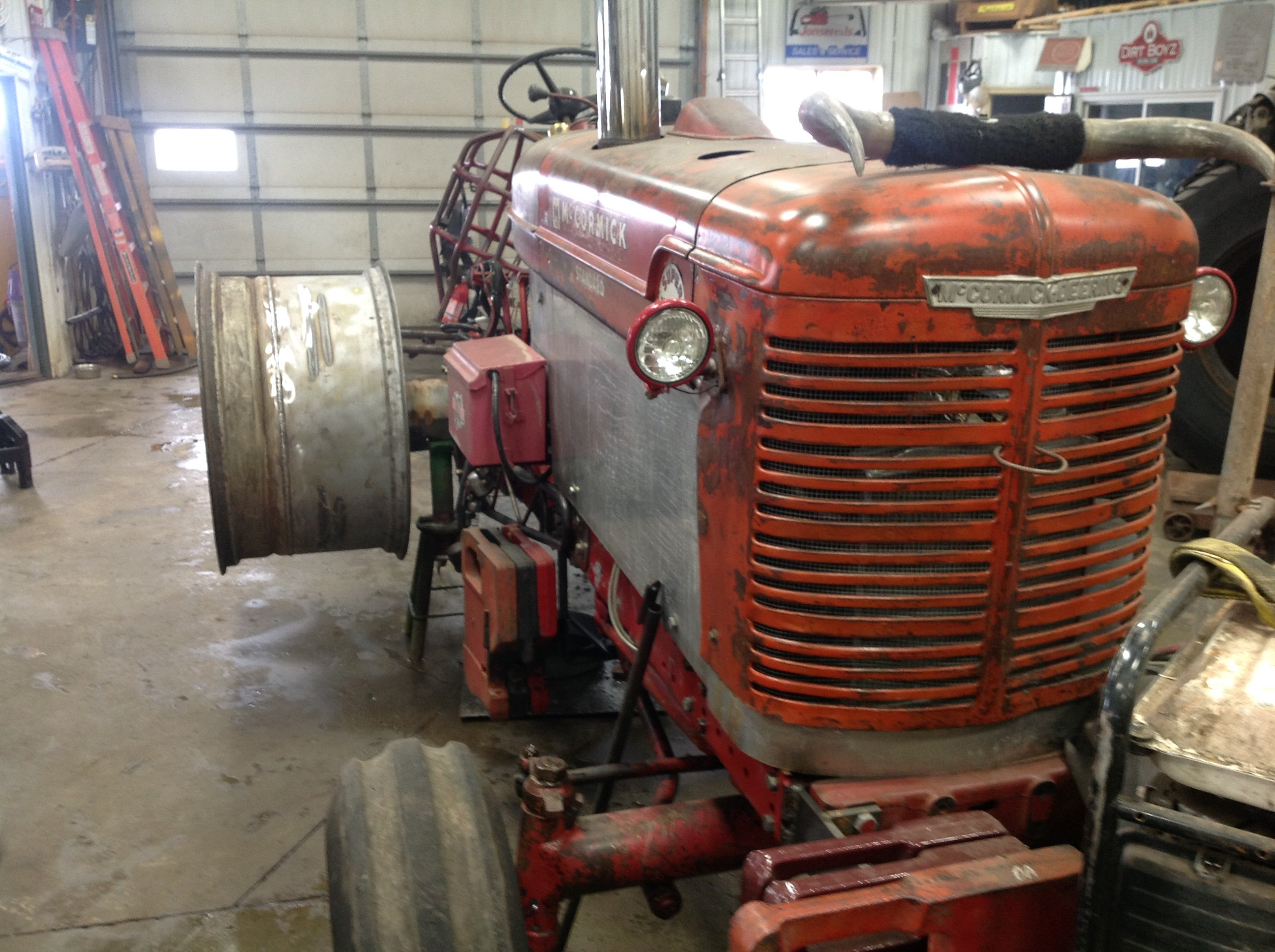 New Rims for my pulling tractor - Coffee Shop - Red Power