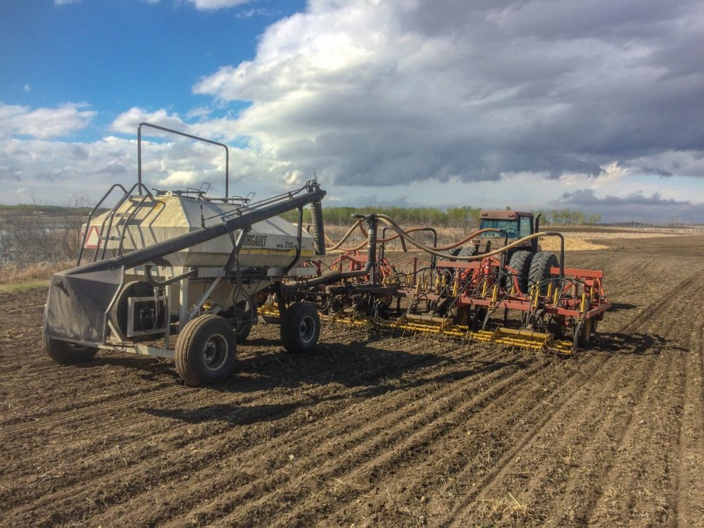 Air seeder May 15.jpg