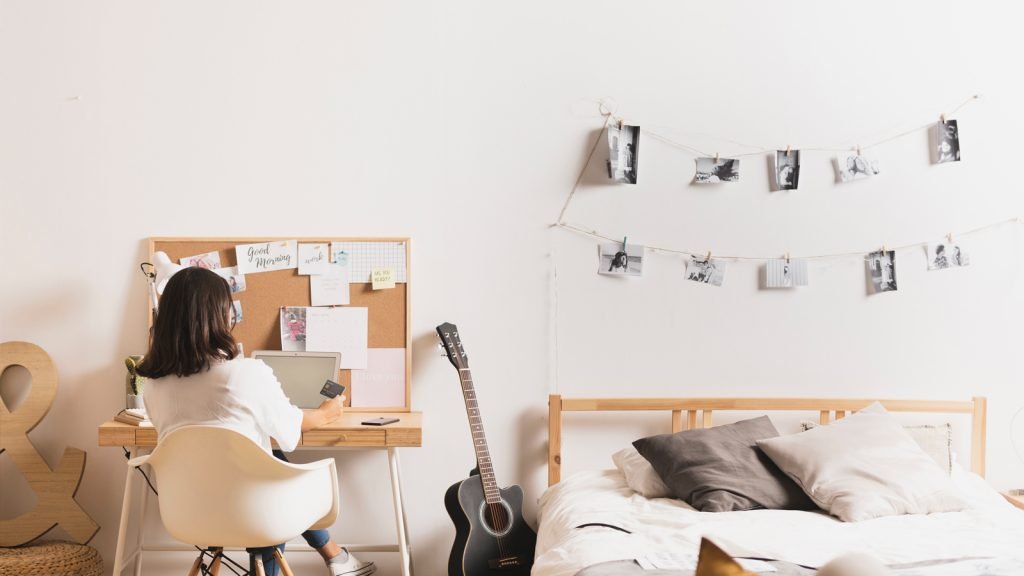 Set up your workstation far from your bed to avoid falling asleep when you are feeling tired.