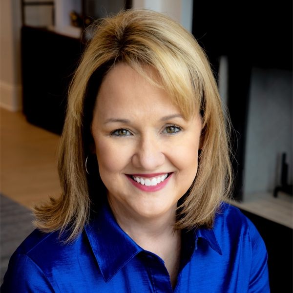 Traci Johnson Named Salesperson of the Month for Reynolds Lake Oconee Properties, LLC