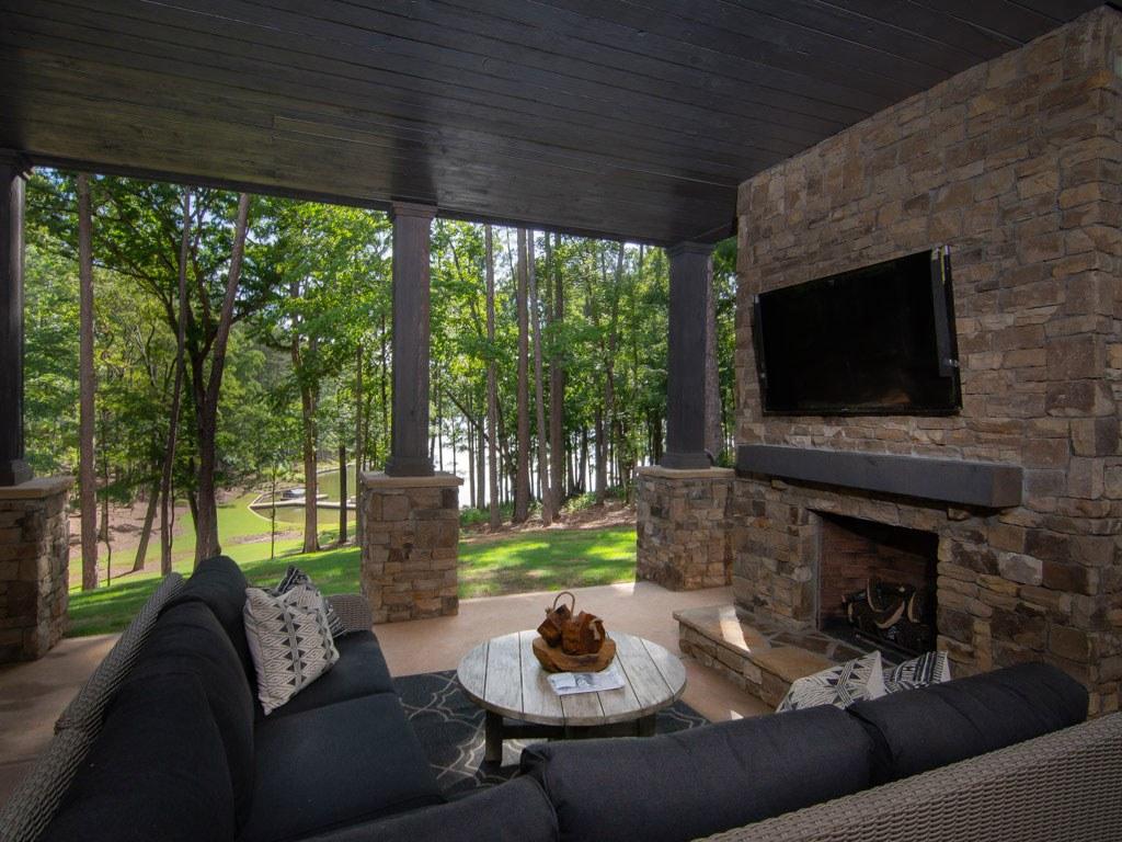 Real Estate Highlights Lake Access Homes