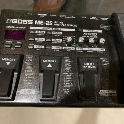 Boss ME 25 Guitar multi effects picture 2