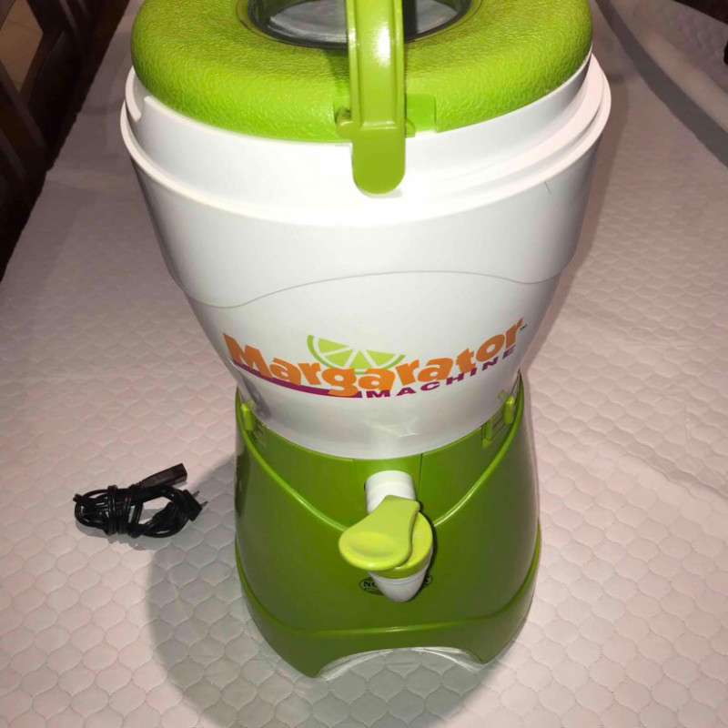 nostalgia - msb-585 margarator 1- gallon margarita-making machine-1