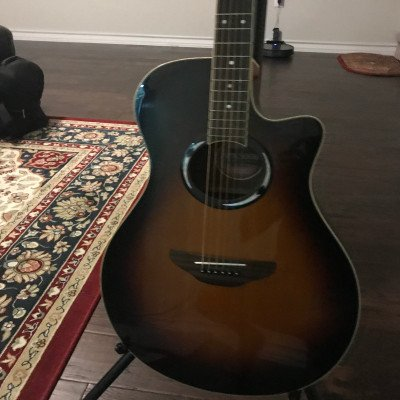 Yamaha acoustic guitar picture 3
