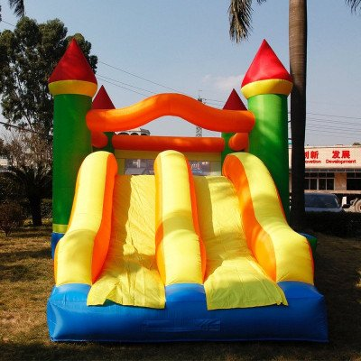 giant inflatable bouncy castle picture 1
