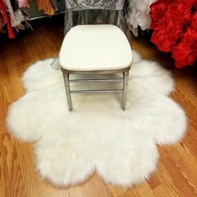 White Flower Faux Fur Rug picture 1