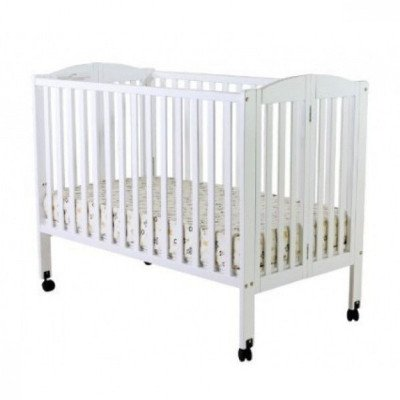 Full-size Crib with Linens picture 1
