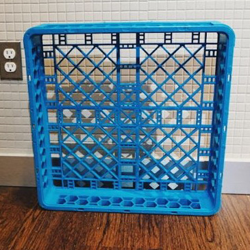 Plastic carrying pallet- dish rack - 2' x 2'