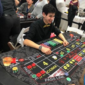 Cup Craps game with dealer